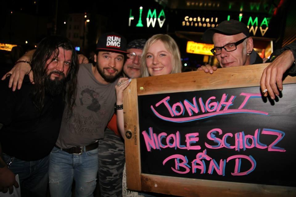 Singener Weihnachtsmarkt Nicole Scholz und Band
